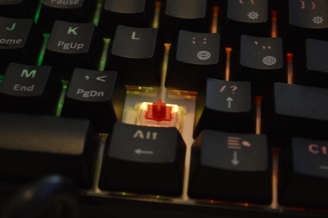 switchuri rosii tastatura mecanica